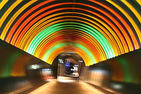 地球回廊光のトンネル