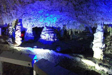 飛騨大鍾乳洞竜宮の夜景