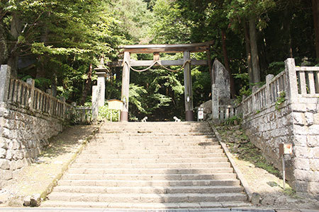 戸隠神社宝光社鳥居