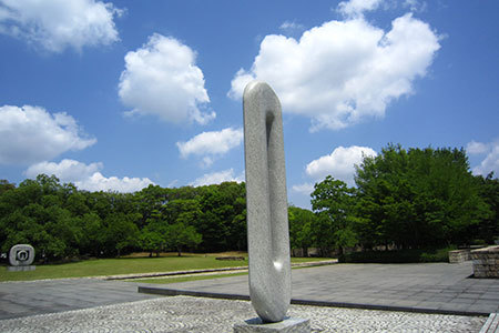岐阜県美術館モニュメント