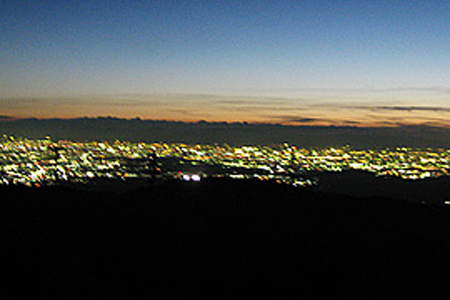 三国山の夜景